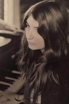 _Kate Bush - The Kick Inside piano - 2