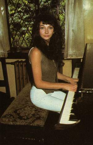 _Kate Bush - The Kick Inside piano - 3