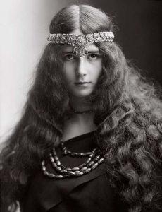 Клео де Мерод (Cleo de Merode) (1875-1966) - французская танцовщица.