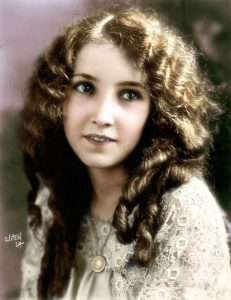 Бесси Лав (Bessie Love) (1898-1986) — американская киноактриса.