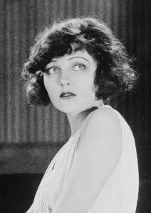 Коринна Гриффит (Corinne Griffith) (1894-1979) — американская киноактриса.