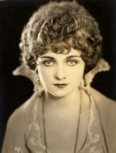 Элис Терри (Alice Terry) (1899-1987) — американская киноактриса.