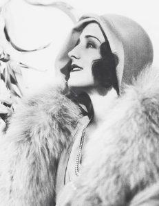 Норма Ширер.