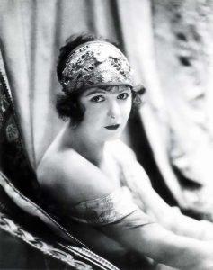 Норма Толмадж (Norma Talmadge) (1894-1957) — американская киноактриса.