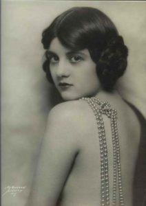 Вирджиния Биддл (Virginia Biddle) (1910-2003) — американская киноактриса.