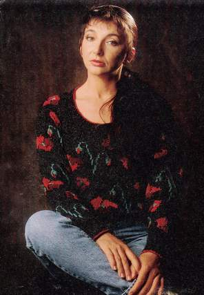 _Kate Bush - The Sensual World - 02b