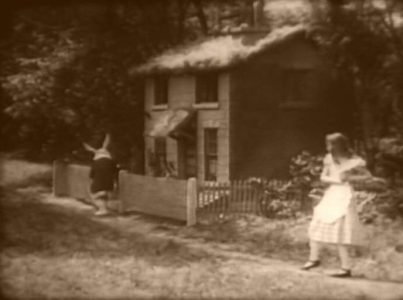 1915_Alice_in_Wonderland_051
