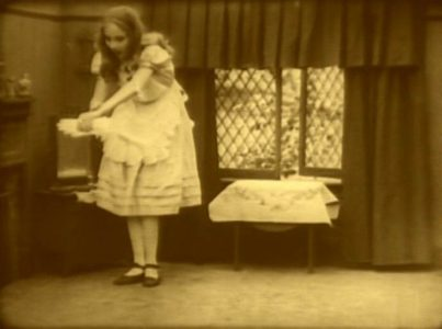 1915_Alice_in_Wonderland_052
