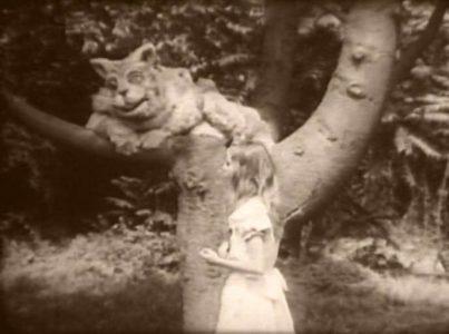 1915_Alice_in_Wonderland_098