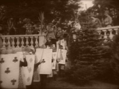 1915_Alice_in_Wonderland_110