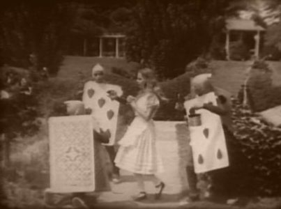 1915_Alice_in_Wonderland_112