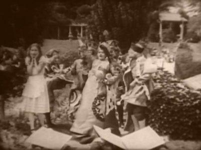 1915_Alice_in_Wonderland_114