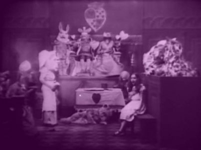 1915_Alice_in_Wonderland_170