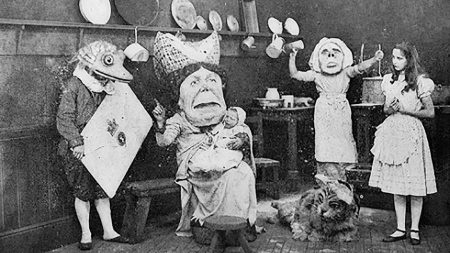 1915_Alice_in_Wonderland_216