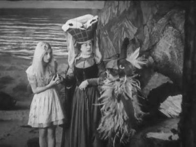 1931_Alice_in_Wonderland_260