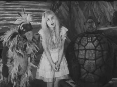 1931_Alice_in_Wonderland_267