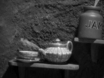 1933_Alice_in_Wonderland_274