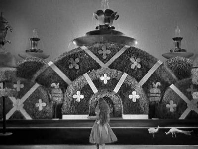 1933_Alice_in_Wonderland_352