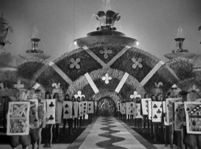 1933_Alice_in_Wonderland_360b