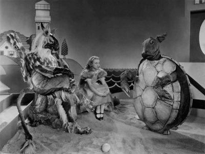 1933_Alice_in_Wonderland_515