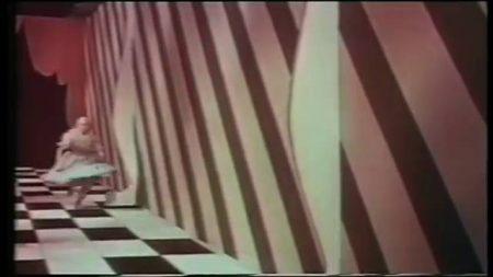 1949_Alice_In_Wonderland_163