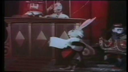 1949_Alice_In_Wonderland_260