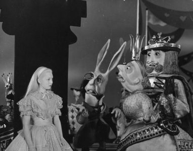 1949_Alice_In_Wonderland_327