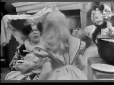 1954_Alice_In_Wonderland_109