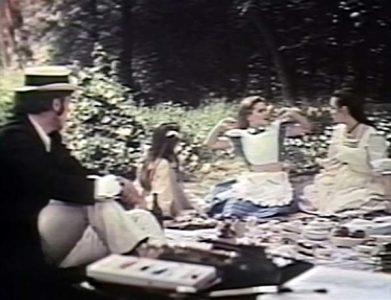 1972 _Alice_In_Wonderland_242