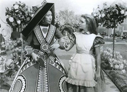 1972 _Alice_In_Wonderland_295