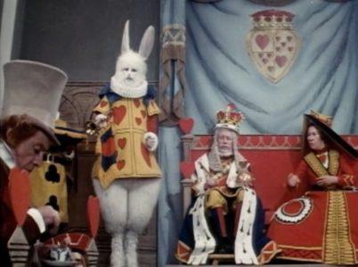 1972 _Alice_In_Wonderland_300
