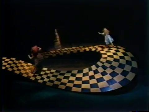 1982_Alice_in_Wonderland_Children's_Theatre_Company_028