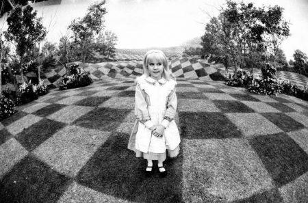 1985_Alice_in_Wonderland_Harris_1985