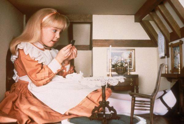 1985_Alice_in_Wonderland_Harris_409