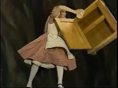 1985_Alice_in_Wonderland_Mottram_152